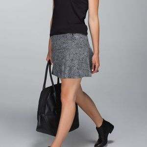Lululemon Get It On High Rise Skirt Black White 10